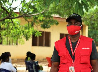 Peter In Kagbu Community, Nasarawa, supporting ActionAid Nigeria's COVID-19 response team.